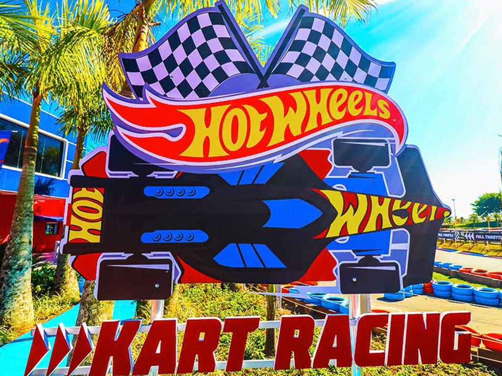 Hot Wheels Kart Racing - BCW - 01 ingresso